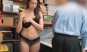Rogue Security Guard Bonks Caught Teenage Shoplifter
