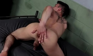 Sinewy solo twink jerking after workout