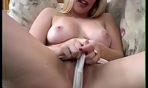 Beauteous Midwest Housewife Masturbation