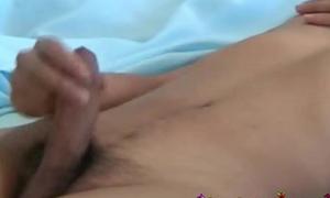 Nikkiladyboys Bo Thai Delight Masurbation