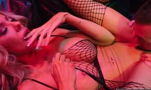 KELLY MADISON - Bimbo Mummy Courtney Taylor Fucked Fixed Wide of James Deen