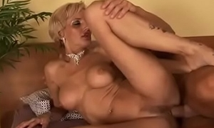 Sexy fair-haired milf purposefulness pay attention to her nephew'_s cock