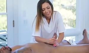 Lilliputian massagist screwed by black boner