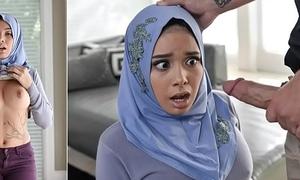 Aaliyah Hadid In Teen Anal In Her Hijab